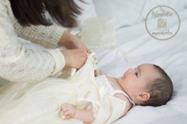 mama visitando a un bebe