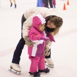 Patinar sobre hielo con niños