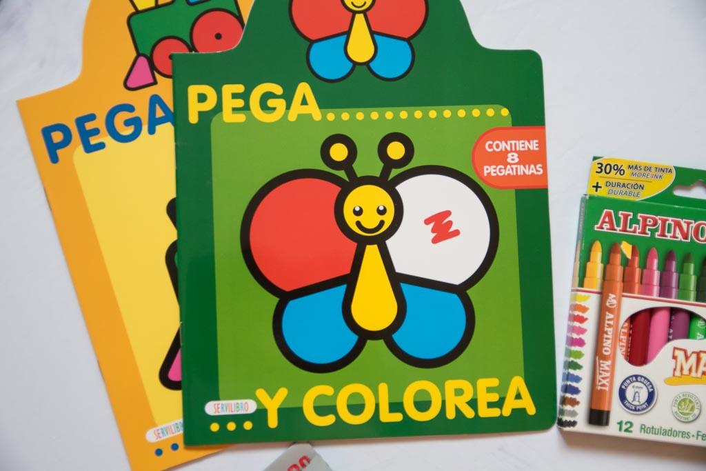 cuadernos de colorear con pegatinas