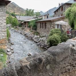 Disfrutar de los Pirineos con niños: dos excursiones que no puedes perderte