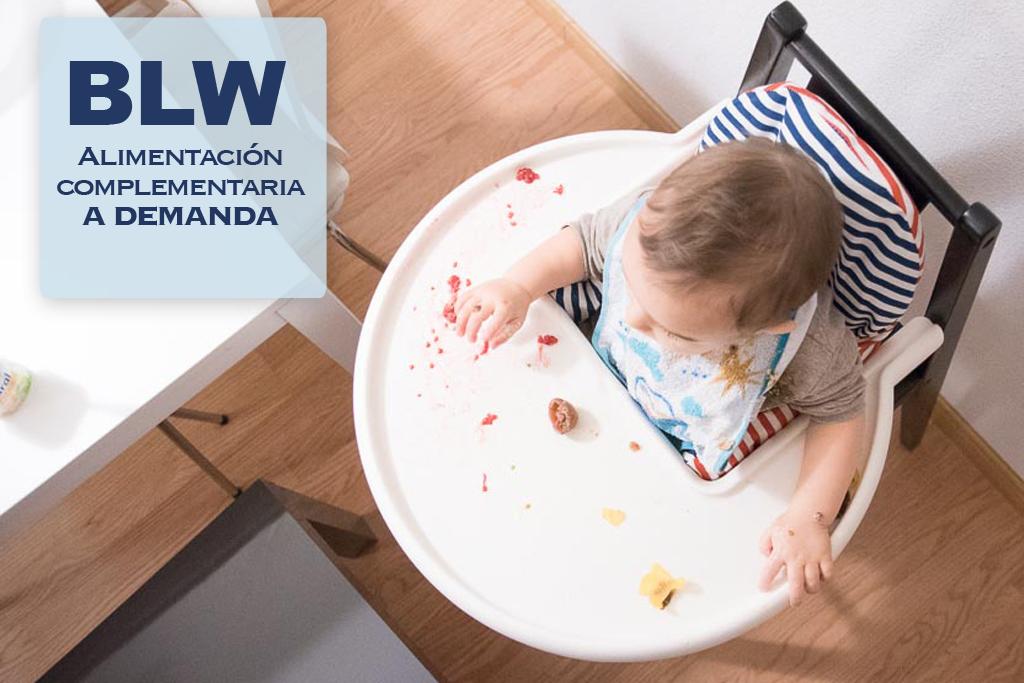Niño aplicando la Alimentación complementaria a demandad blw