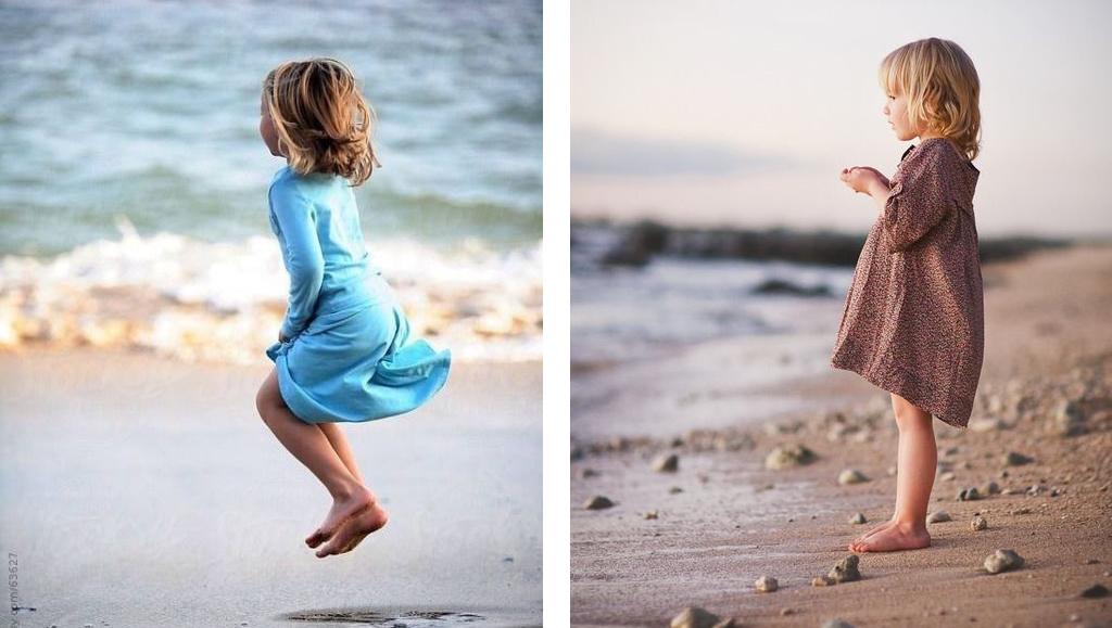 Niñas en la playa mirando el mar
