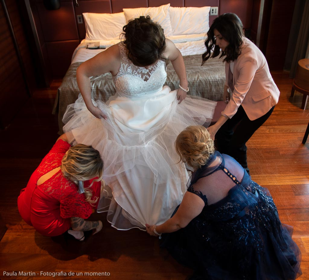 momento de vestir a la novia