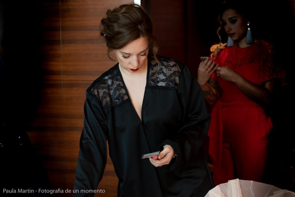 Novia preparándoselo para la boda