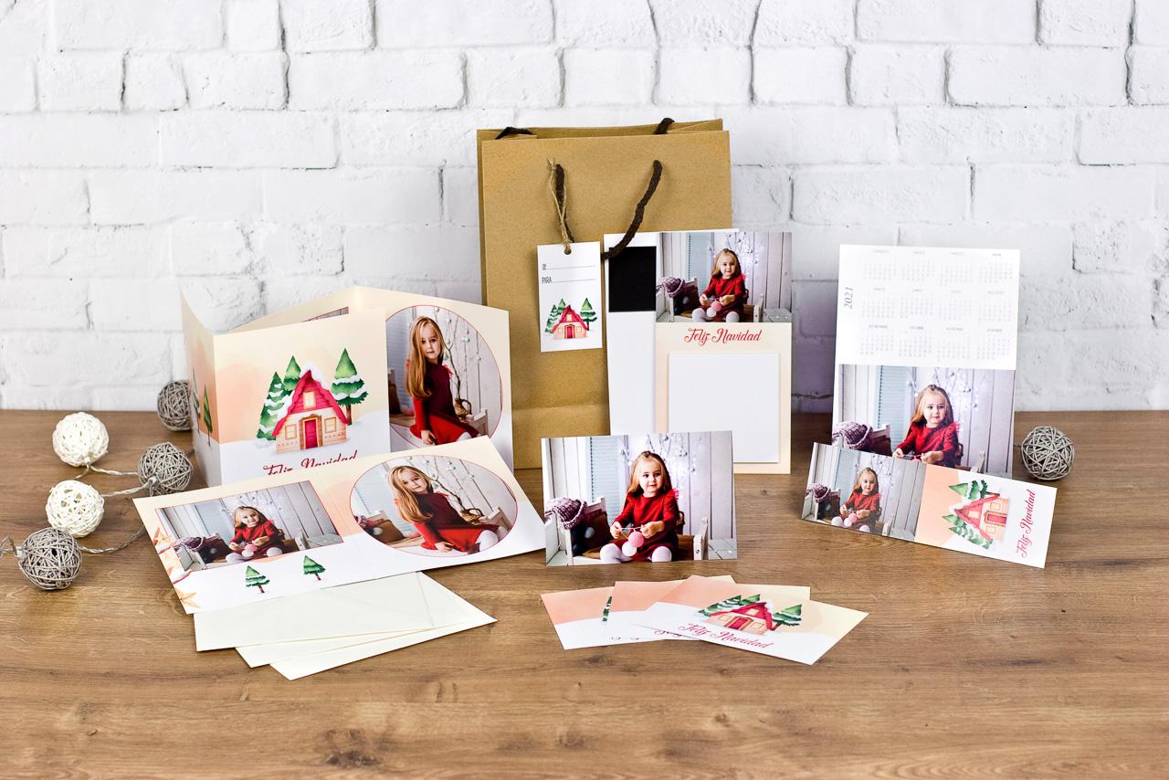 christmas y Feliciataciones personalizadas con las fotos de la sesión